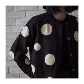ioz 日系復古黑白圓點針織開衫外套