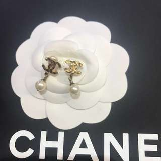 Chanel mini cc 吊珍珠耳環
