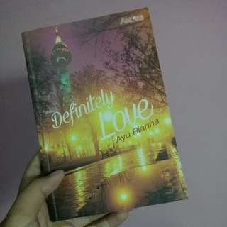 Novel Pre-Loved : Definitely Love (Ayu Rianna)