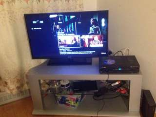 Selling 45 inch tv stand in mint condition