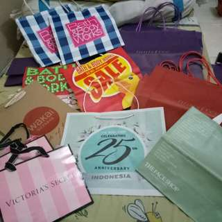 Paper Bag bbw tfs victoria secret Innisfree tbs wakai