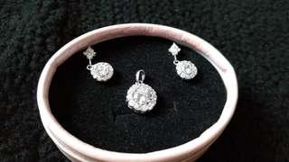 White sapphire earring pendant