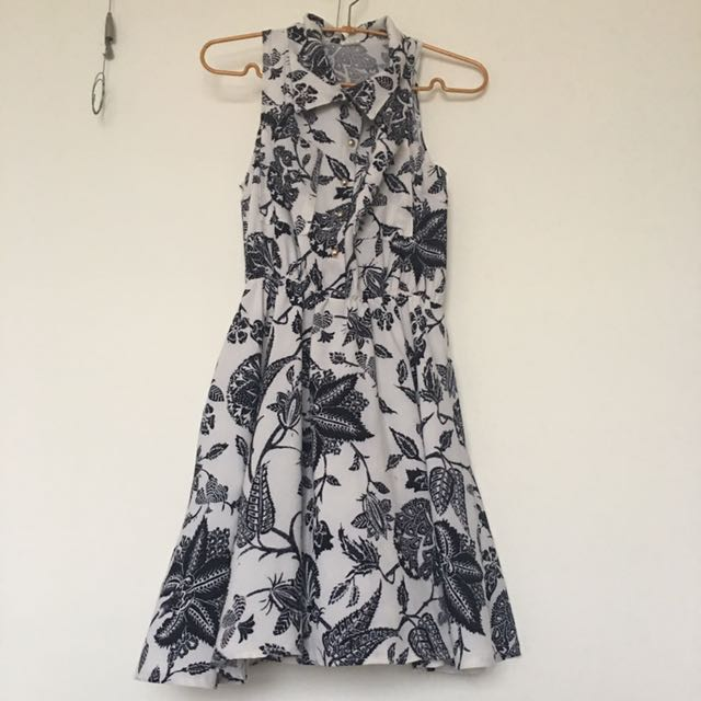 白色黑條紋洋裝