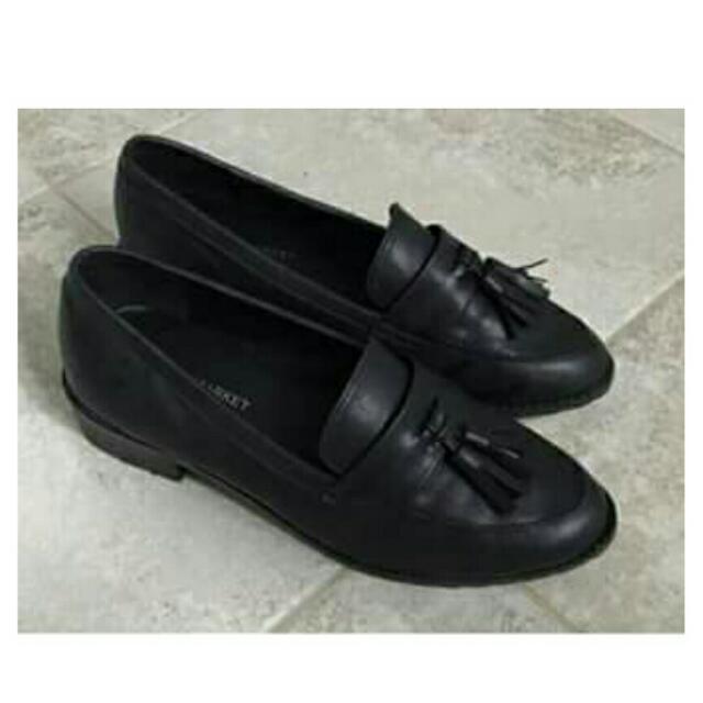 🔹流蘇黑皮鞋 可議價 24號 #有超取最好買 #好想找到對的人 #舊愛換新歡