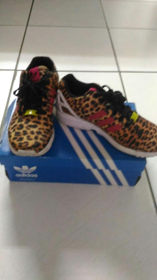 Adidas豹紋球鞋