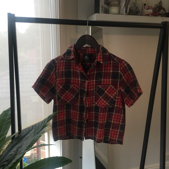 all about eve // flannel crop