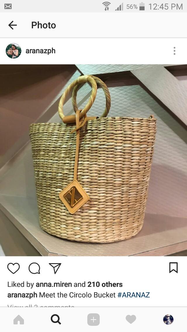 Aranaz Circolo Bucket Bag With Straps
