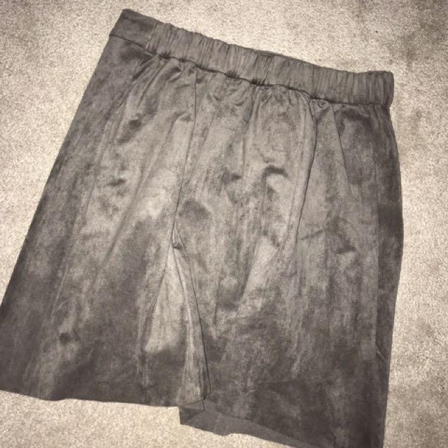 ARITZIA Wilfred free suede skirt