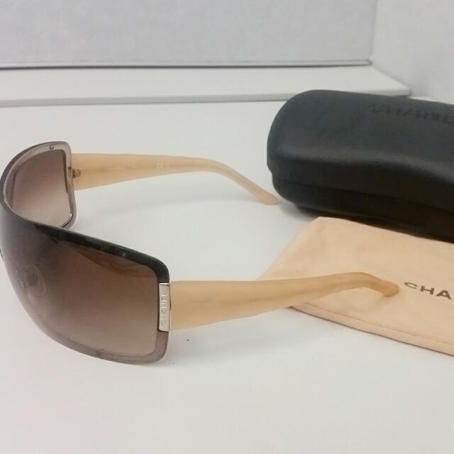 Authentic Chanel Shield Sunglasses Model 4126 RP$500