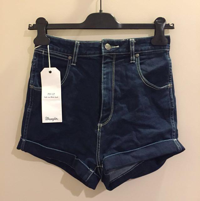 BRAND NEW wrangler pin up shorts