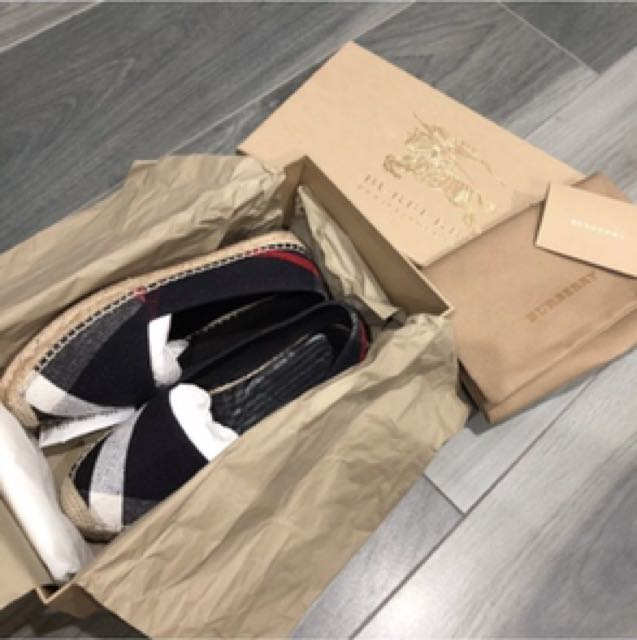 Burberry shoes size 36