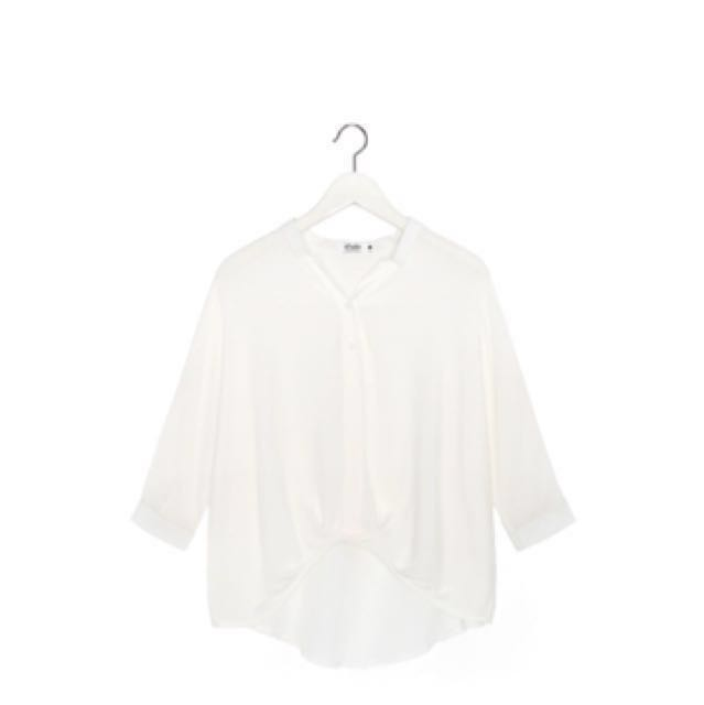 Caco v領下擺造型襯衫白色 #我的女裝可超取
