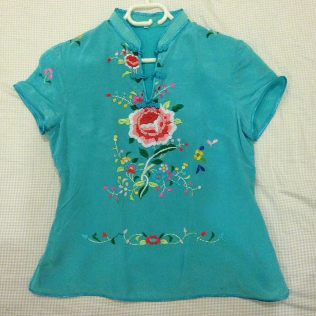 Chinese style top size 8-10. NEW