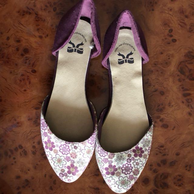 Code 3 •flower flatshoes
