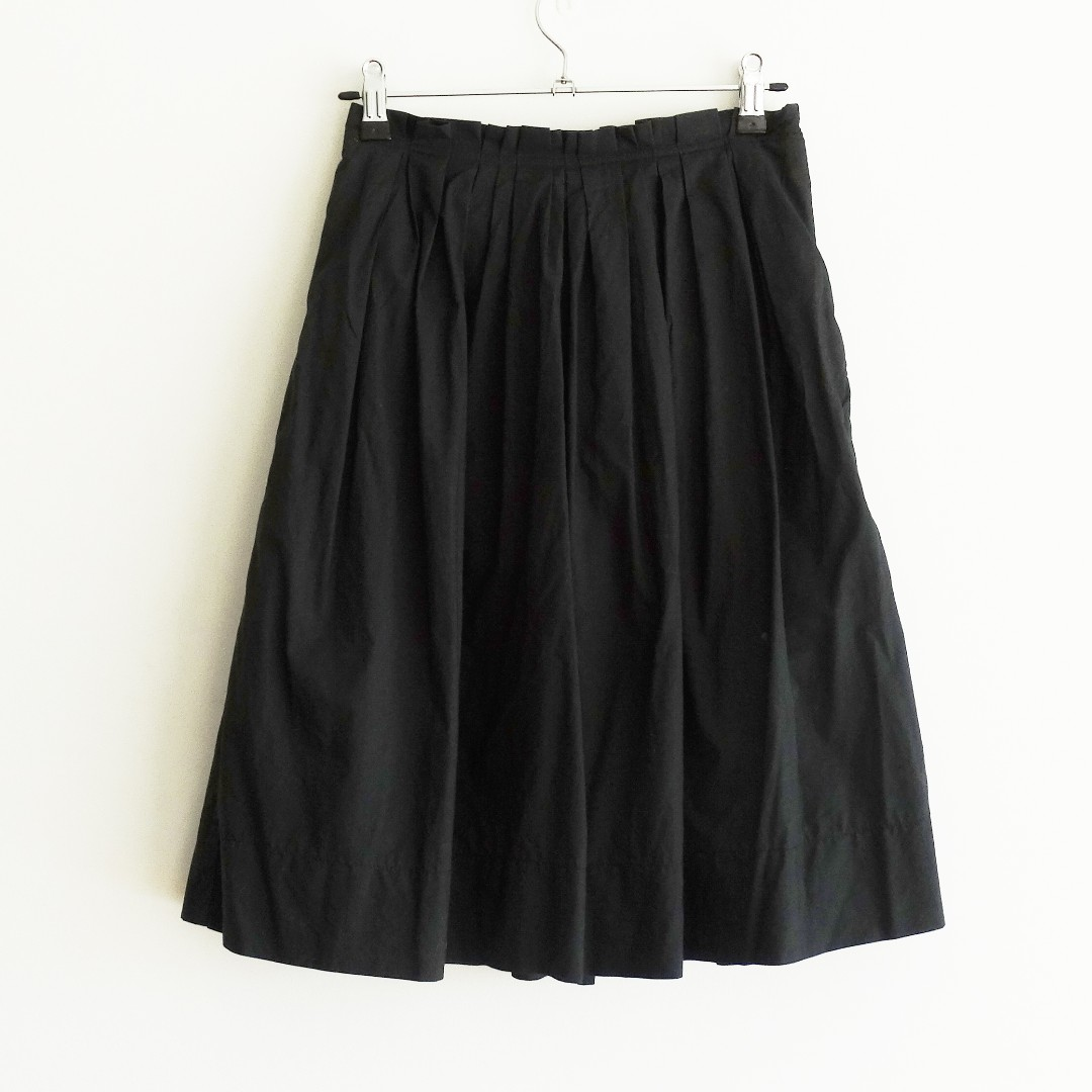 Cue Size 6 Black Pleat Skirt with Pockets