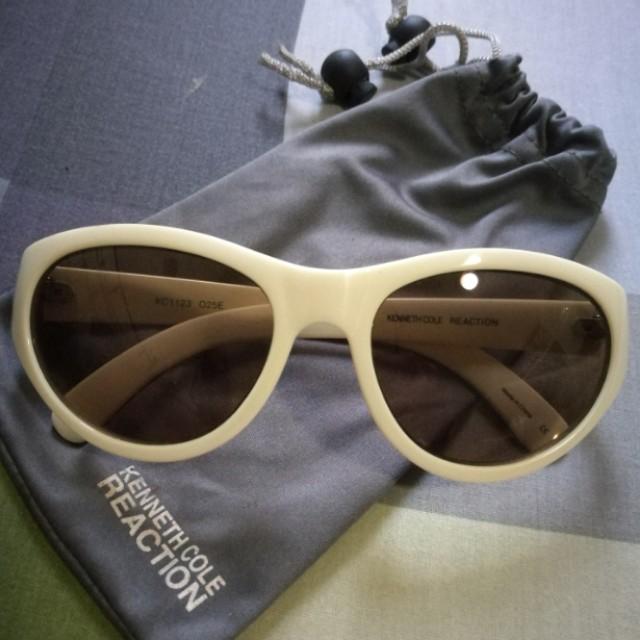 Eyewear/ Sunglasses by Kenneth Cole