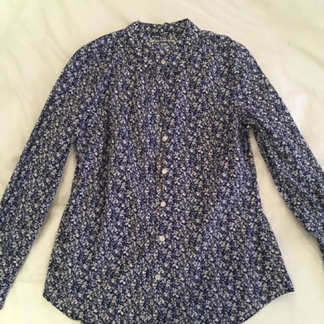 Floral blouse top size medium