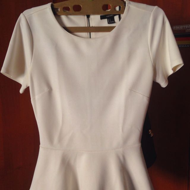 Forever21 peplum broken white top