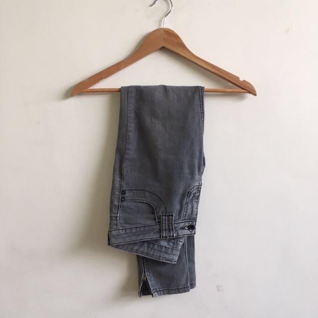 Grey Jeans (Size 27)