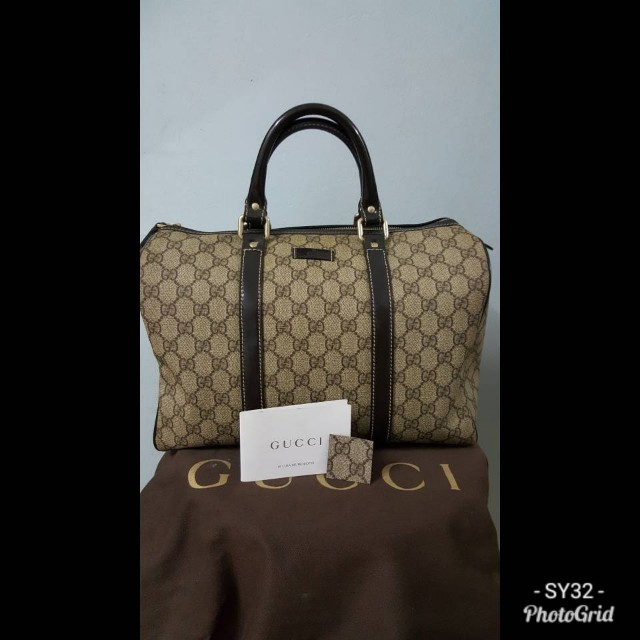 f8ef21204103e6 Gucci Beige/ Ebony GG Coated Canvas Medium Joy Boston Bag, Women's Fashion,  Bags & Wallets on Carousell