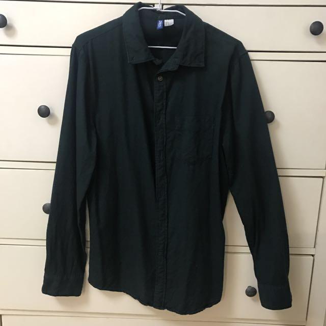 男生H&M 深綠色純棉休閒襯衫 #冬季衣櫃出清 #有超取最好買 #舊愛換新歡