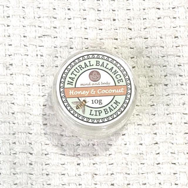 Honey & Coconut Moisturizing Lip Balm 10g