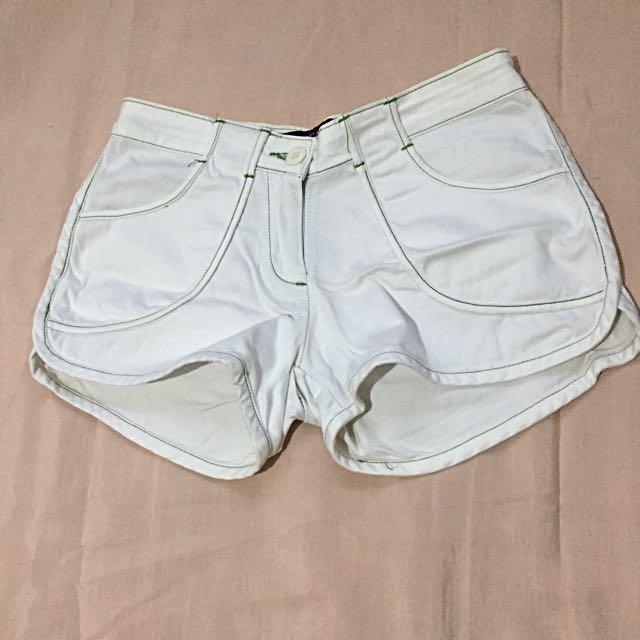Jellybean white short
