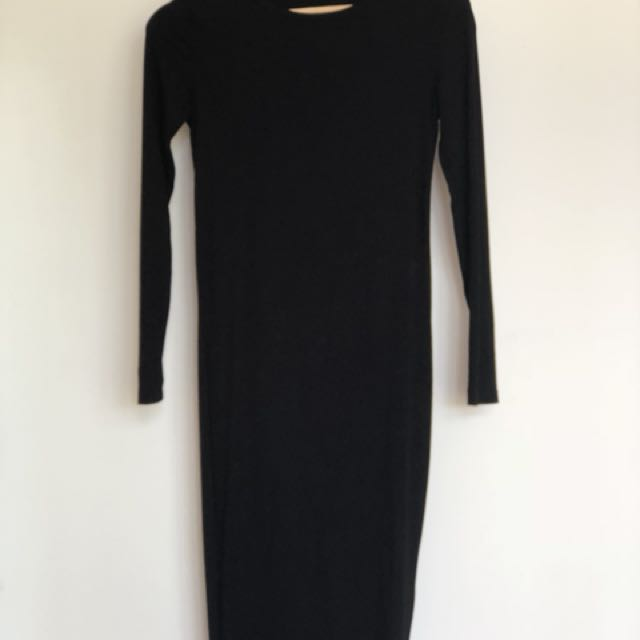 Long sleeved tight back dress