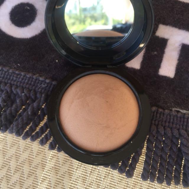 MAC mineralised skin finish - medium dark