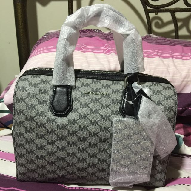 Michael Kors Mercer Duffel bag