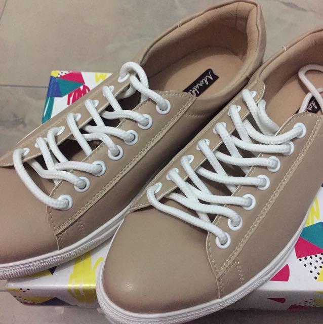 Milcah beige sneakers