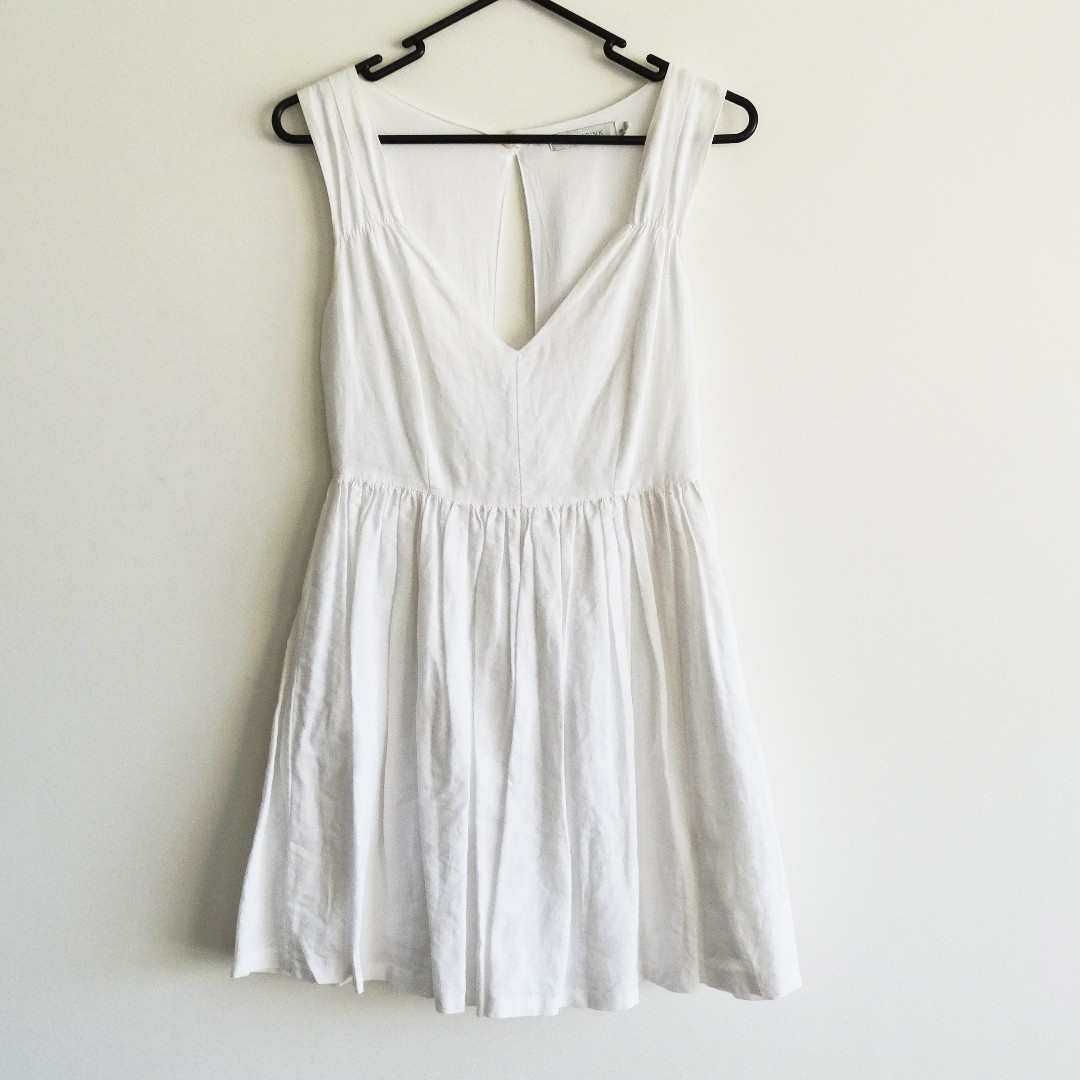 Minkpink Size 8 White Dress with Open Back