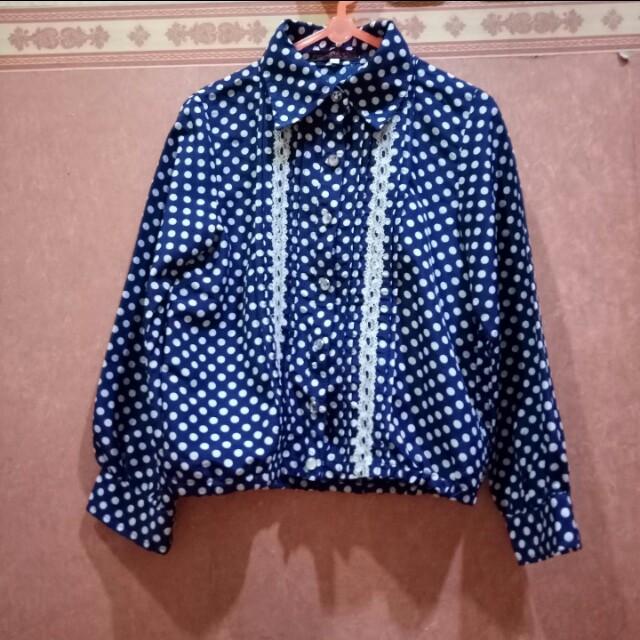 🎉NEW YEAR BLAST🎉 Vintage polkadot shirt