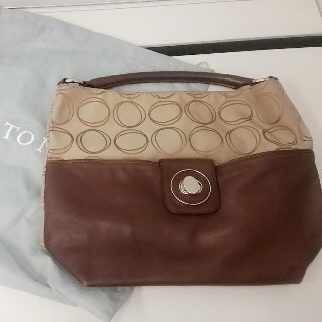 Oroton Roche collection large leather handbag with dust bag RP$400