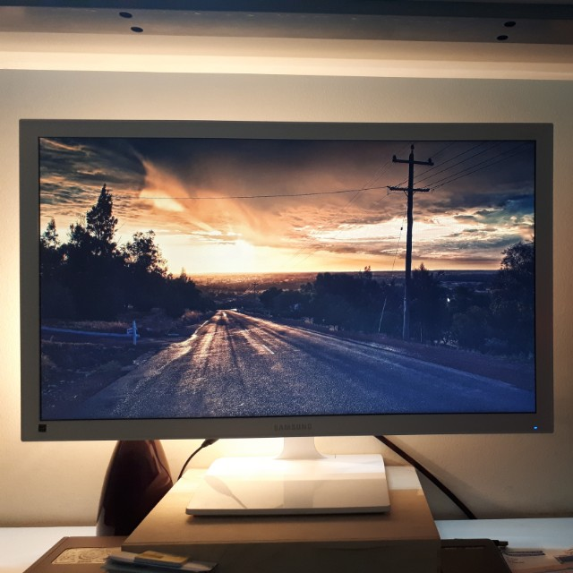 SAMSUNG 27 Inches LED Monitor Model S27E310H