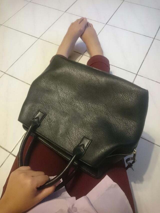 Stradivarius Bag Black size M