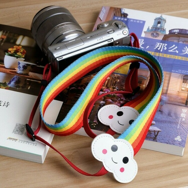 Strap kamera atau polaroid
