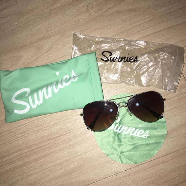 Sunnies aviator shades