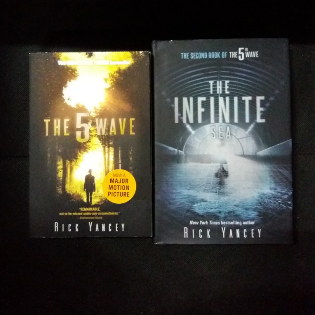 The 5th Wave Series by Rick Yancey