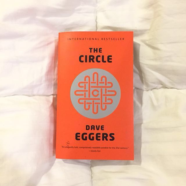 THE CIRCLE by Dave Eggers - paperback