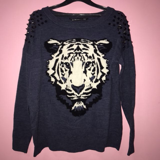 Tiger sweater with studs