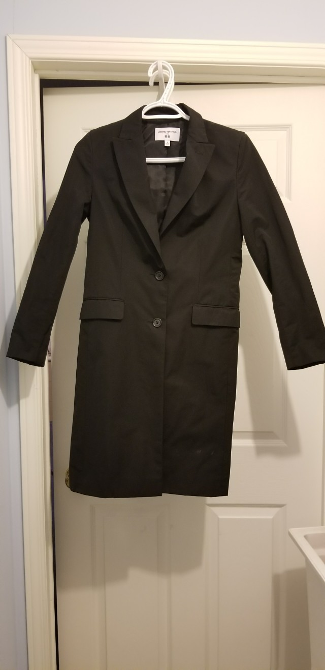 Uniqlo x Carine Roitfeld trench/raincoat