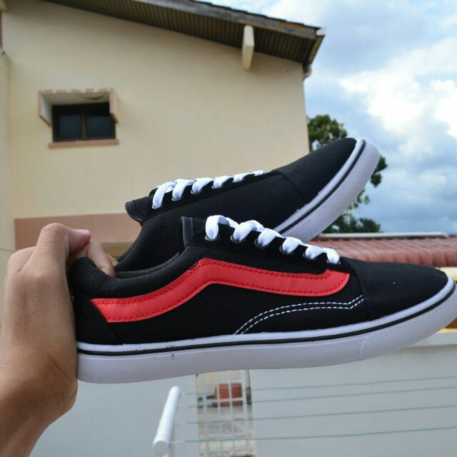 47c4c175 vans old skool white and red stripe
