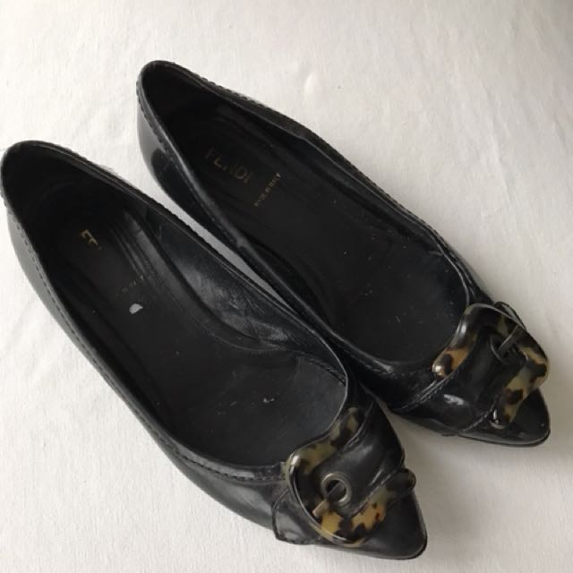 very good condition Authentic Fendi flats - 37 - fits 7.5 best