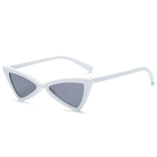 White angular sunglasses (cateye, cat eye, vintage)