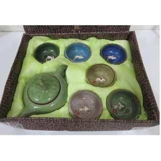 早期收藏全新冰裂茶具組,杯裡有鯉魚(立體的)