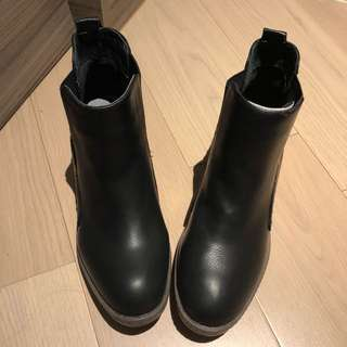 Lpb Styled Boots