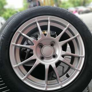 Oz racing ultraleggera 15 inch sports rim myvi ikon tyre 70%