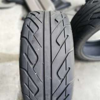 Semi slick achilles 123s 235.40.18 70% tyre golf r