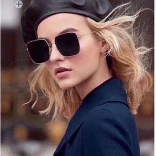 全新Dior Stellaire 2018新款全新太陽鏡,方框小復古,男女都可以戴噶,有四個顏色